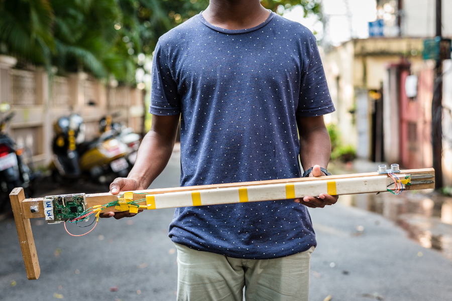 A student at the Pi Jam Community Centre created a prototype of an e-walking stick for the blind, which can alert the user about water, pot-holes